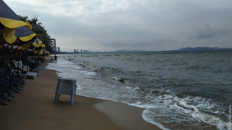Пляж Джомтьен. Фото: Саша Савичева.