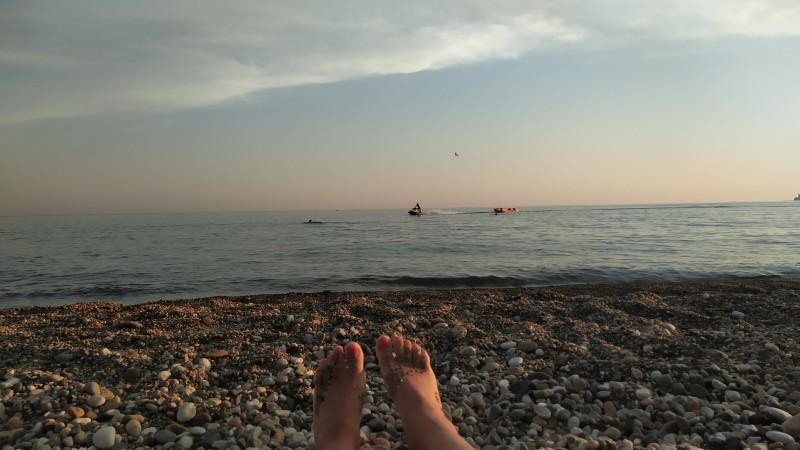 Погода позволила больше времени провести на пляже.