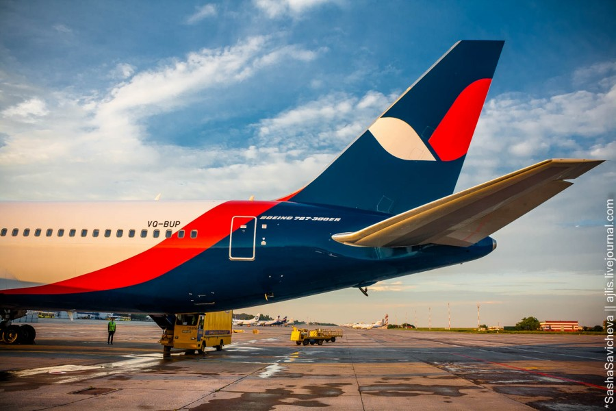 Boeing 767-300 AzurAir