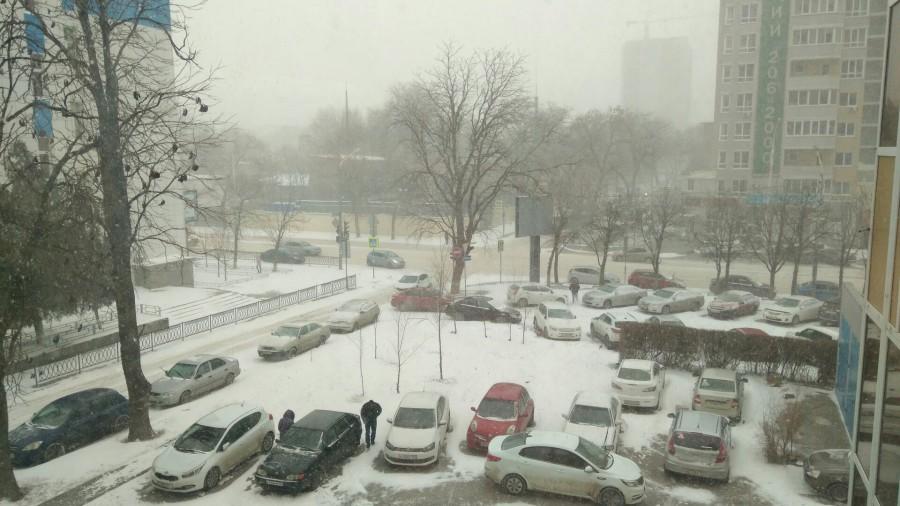 Снегопад в Ростове: пробки 9 баллов и нечищенные дороги