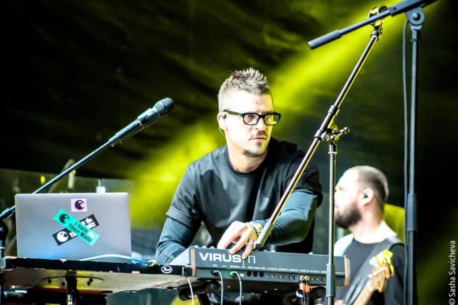 Антон Беляев и Therr Maitz. Фото - Саша Савичева