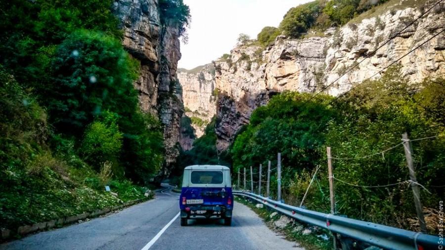 По Кавказу: Чегемские водопады. Фото - Саша Савичева