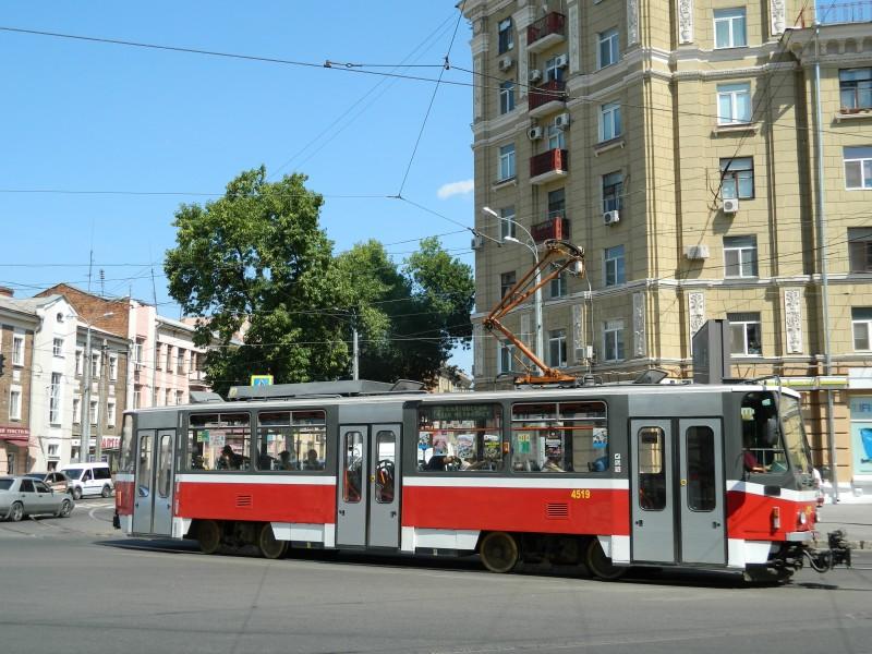Тогда же. Харьковские Т6А5 еще с полупантографом.