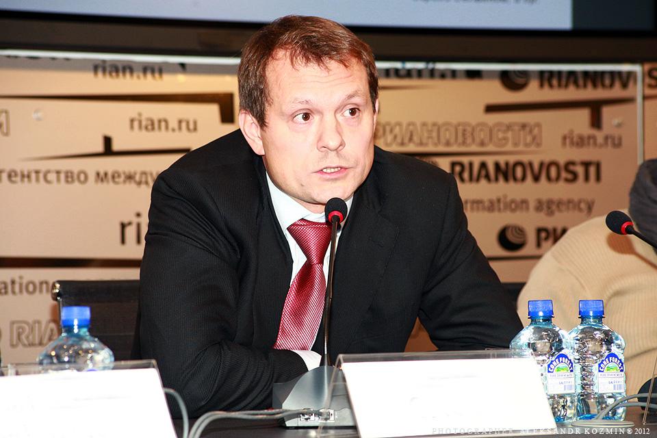 Михаил Медведев
