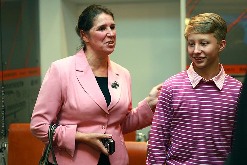 Победитель 2011 года и его мама