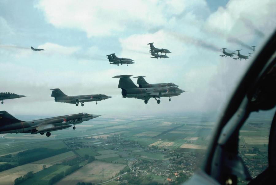 wp_D-8084 F-104G KLU over Scheveningen 1983_JosEngels