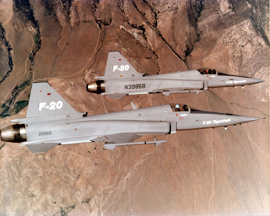 Two_f-20_in_flying