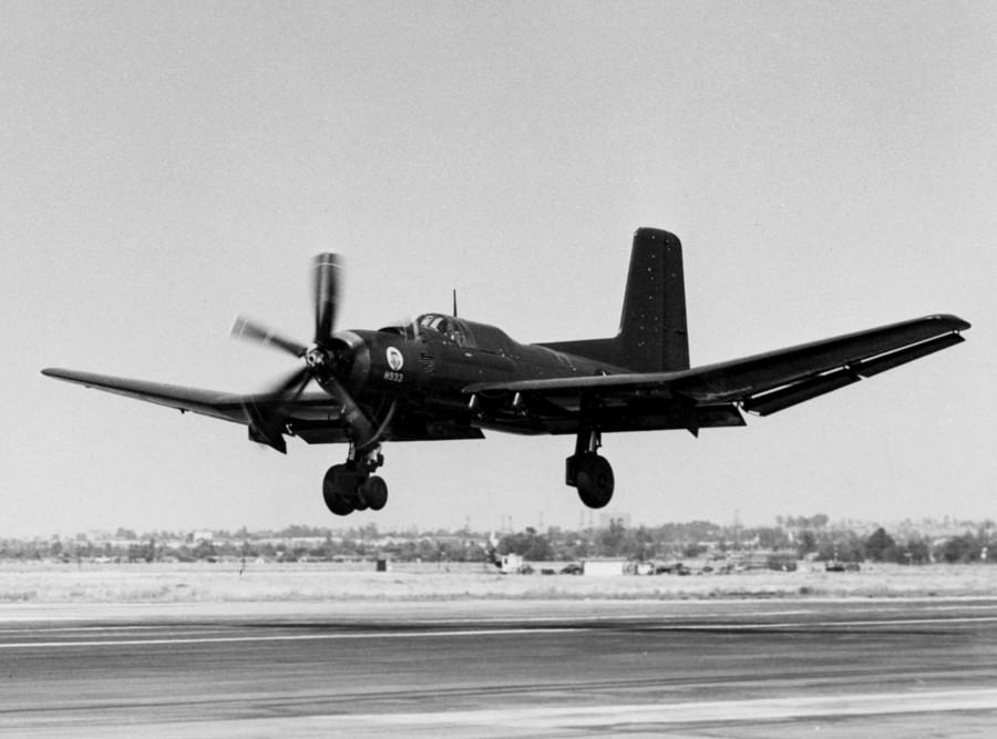 Douglas_XTB2D-1_landing_c1945