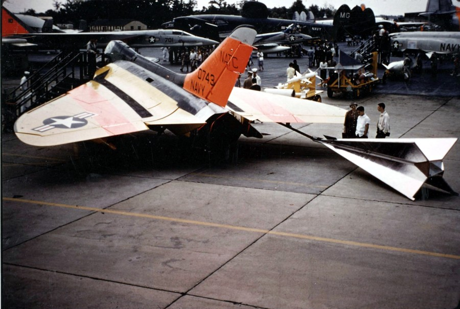 F4D-1_with_towed_target_at_Andrews_AFB_1960