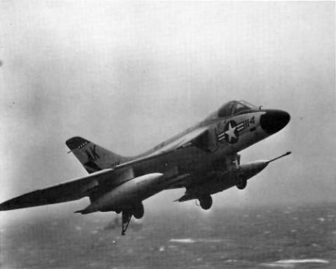 F4D_VF-13_landing_USS_Shangri-La_1961