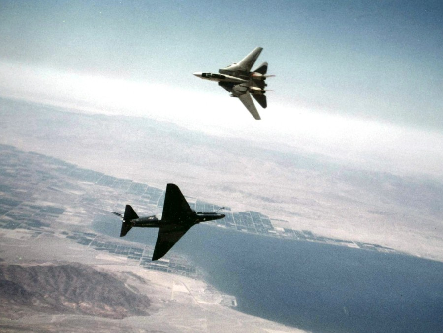 A-4F_of_VF-126_and_F-14A_of_VF-111_dogfighting_1982