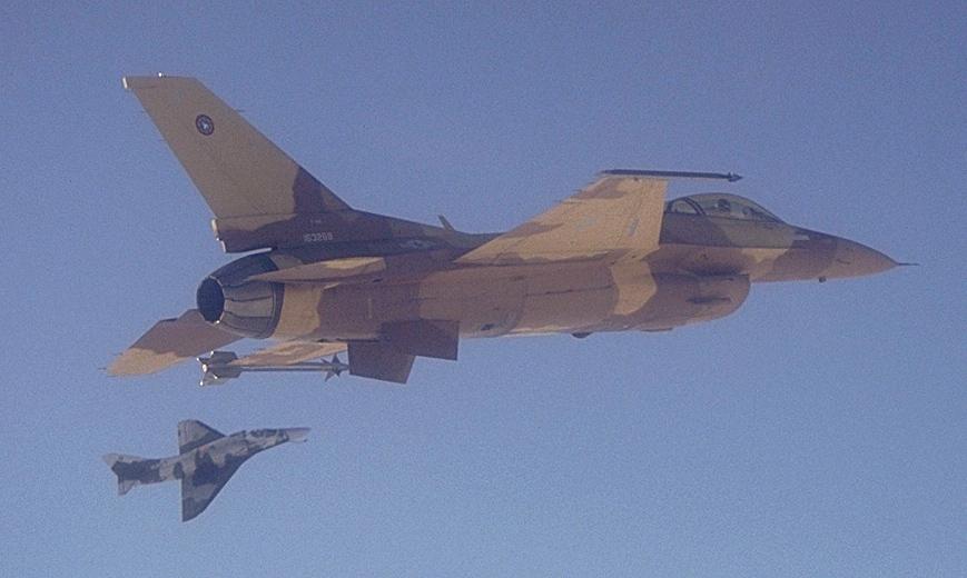 A4-F16