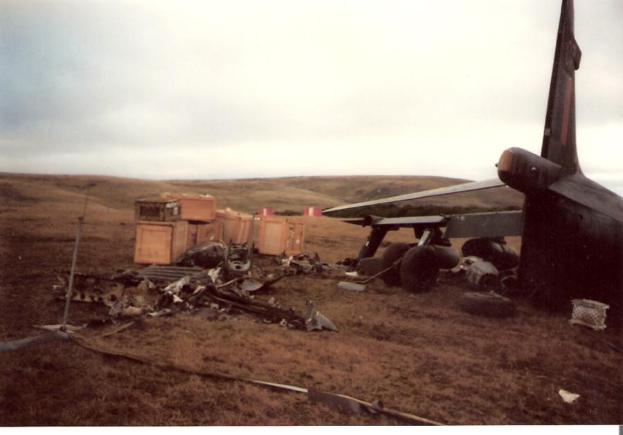 HarrierGr3RAFcrashSanCarlos_zps62ce664a