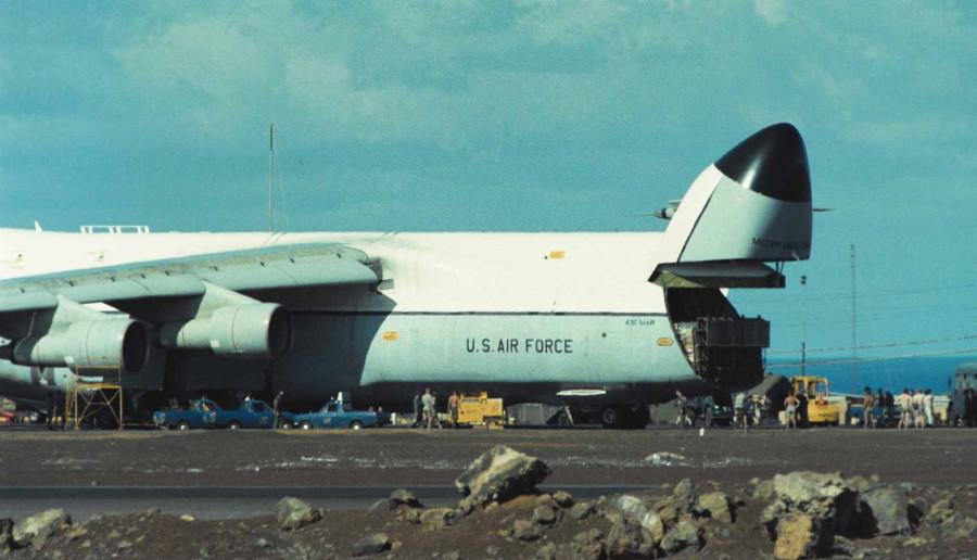 Colour - USAF C-5A unloading
