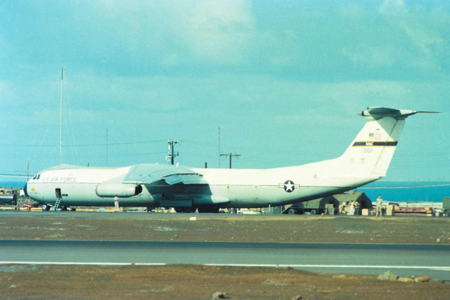 Colour - USAF C-141 (70011)