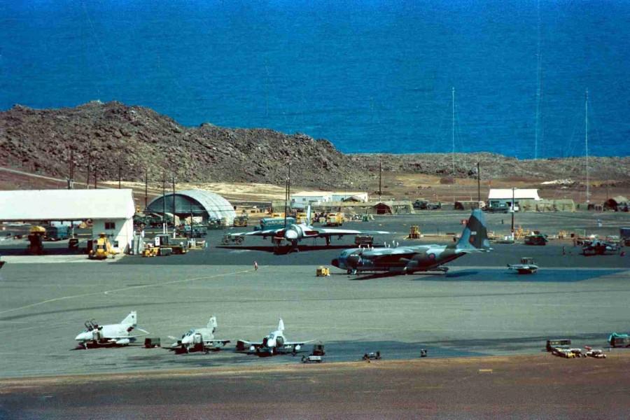 Colour - Phantoms, C-130 (203), Vulcan & Harrier