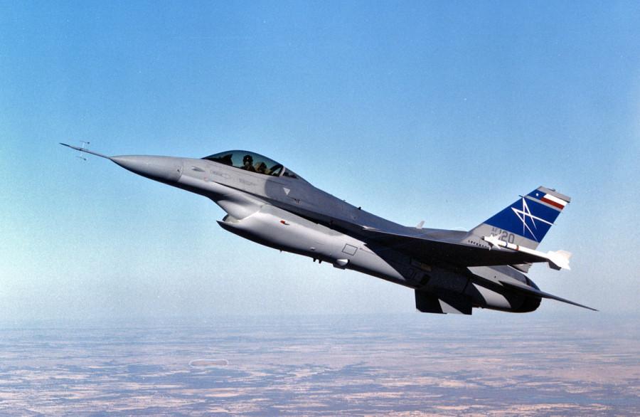 Lockheed-F16-DSI
