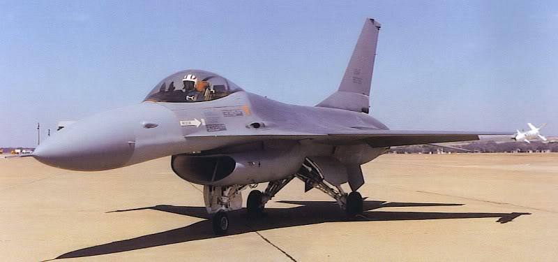 general_dynamics_F-16A_big_nose