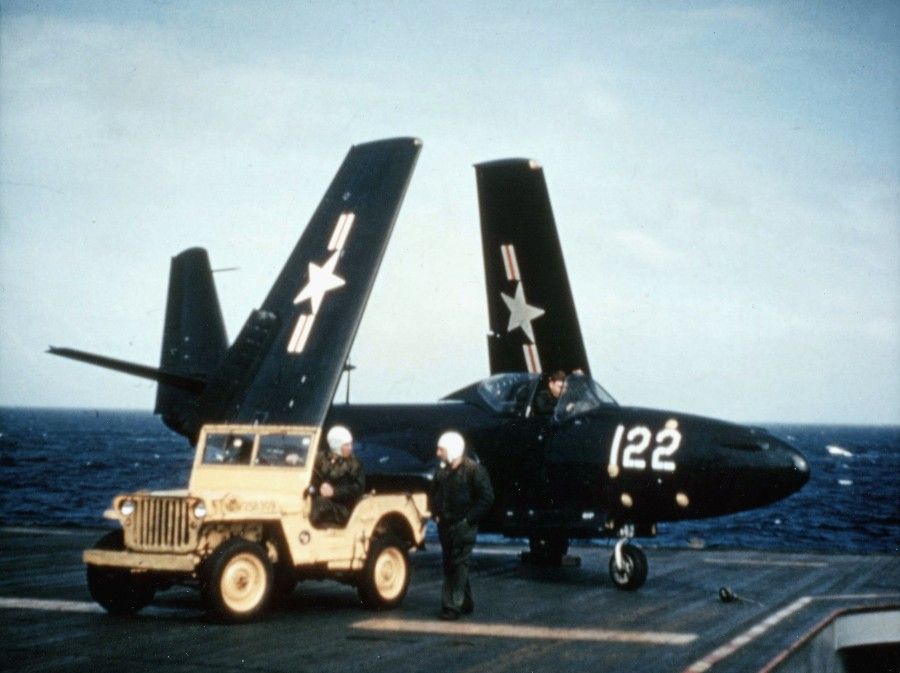 FH-1_Phantom_on_USS_Saipan_(CVL-48)_with_folded_wings_1948