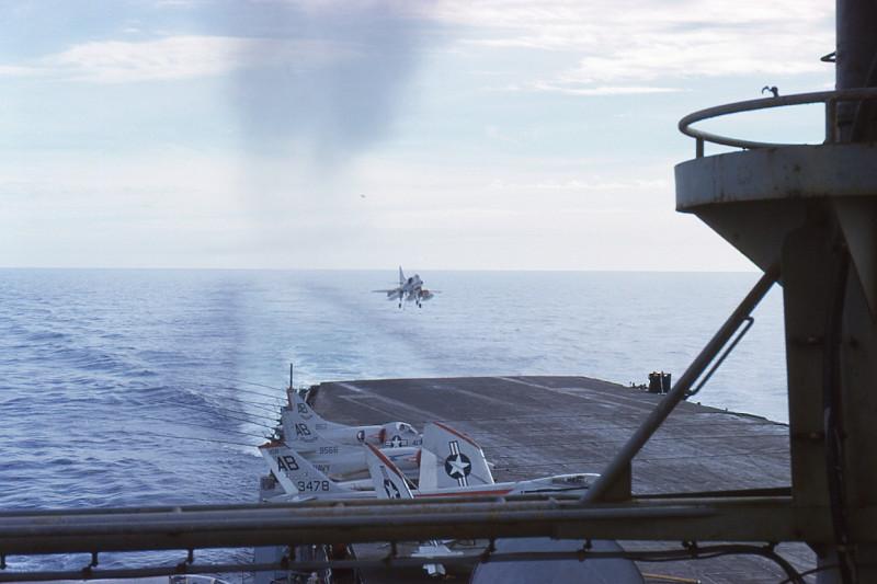 01-flight-deck-recovery-a4c-skyhawk