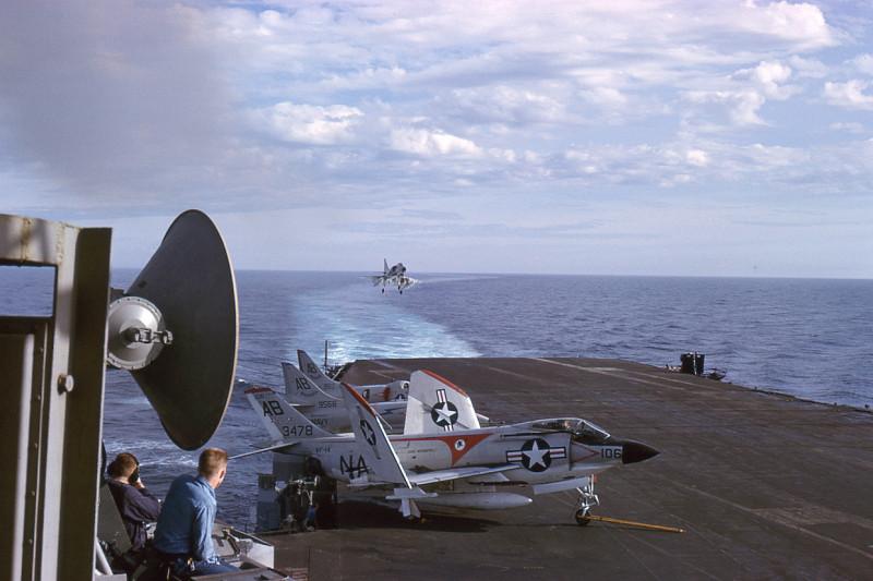 02-flight-deck-recovery-a4c-skyhawk