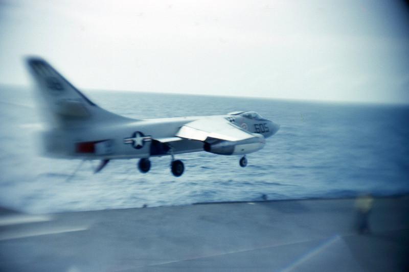 06-flight-deck-recovery-a3b-skywarrior-bolter-telephoto