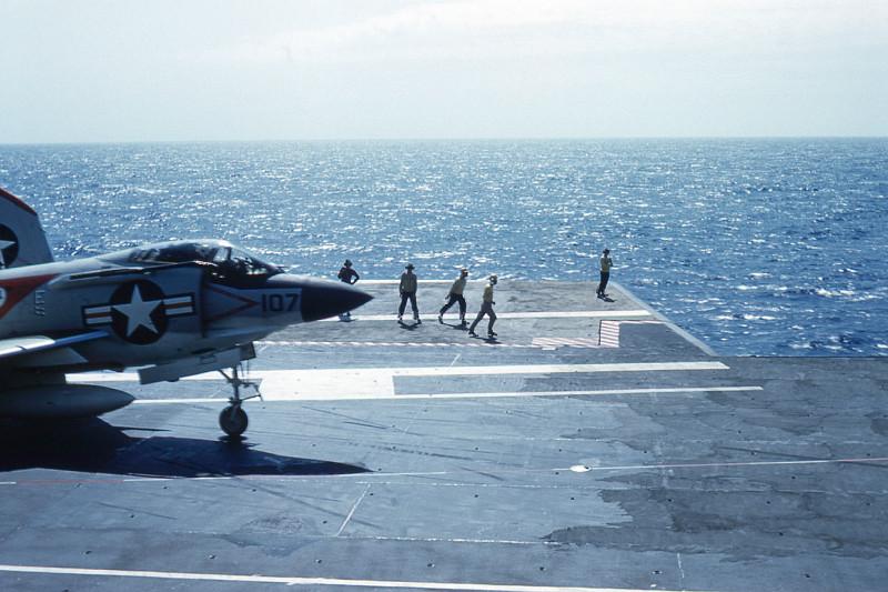 flight-deck-launch14-f3h-demon