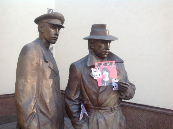 """Пам""""ятник Жеглову і Шарапову. Вони тепер у незвичній ролі"""