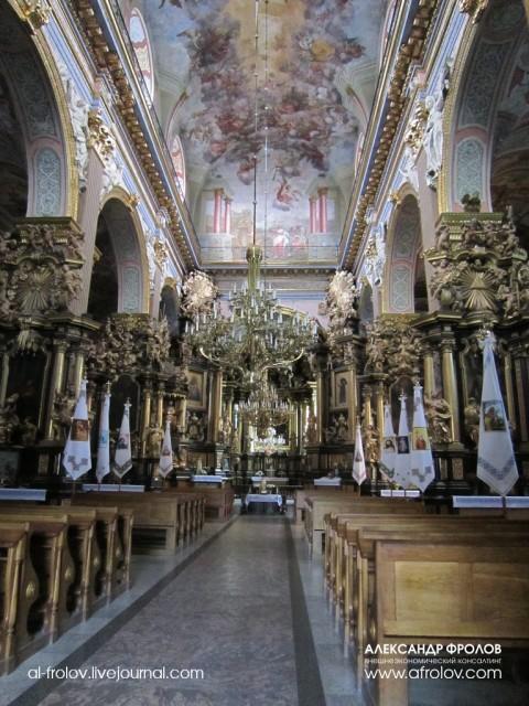 Внутреннее убранство церкви Св. Андрея