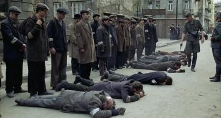 Кровавый пёс Назарбаев стреляет в землю