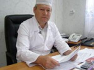 настырный старый главврач Михайлов В.В.