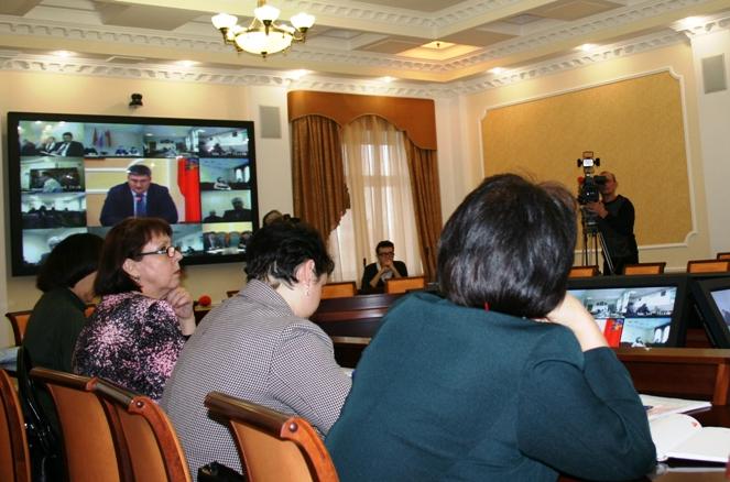 Видеоконференция по вопросам ЖКХ с участием Елены Николаевой