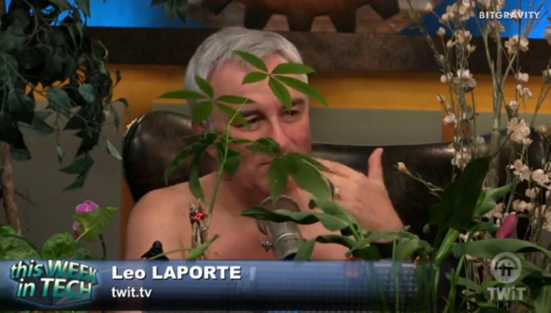 twit_leolaporte_topless_plants_05_22_2016.jpg