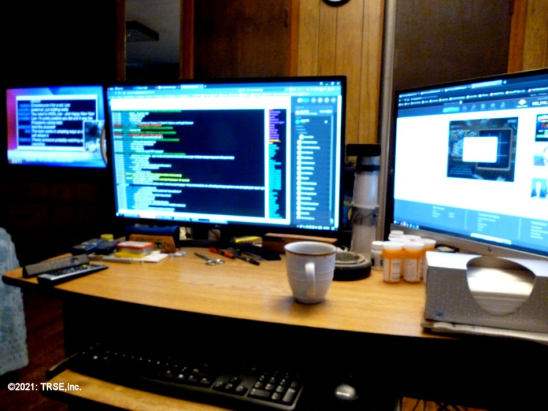 multitasking_three_monitor_01_03_2021_sml.jpg