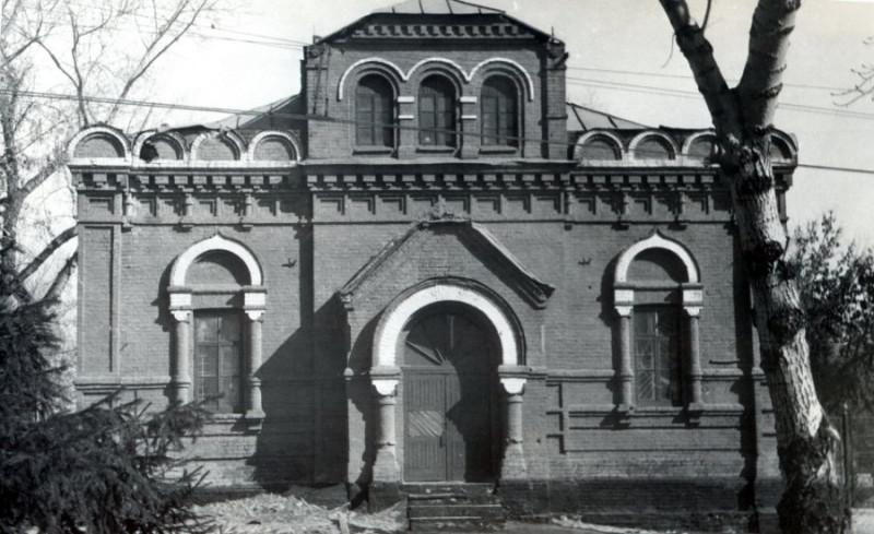Клуб БВВАУЛ, бывшая Никольская церковь