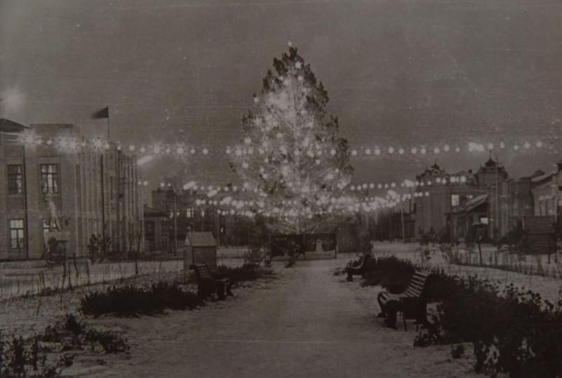 Ёлка на Центральной площади. 1972 г.
