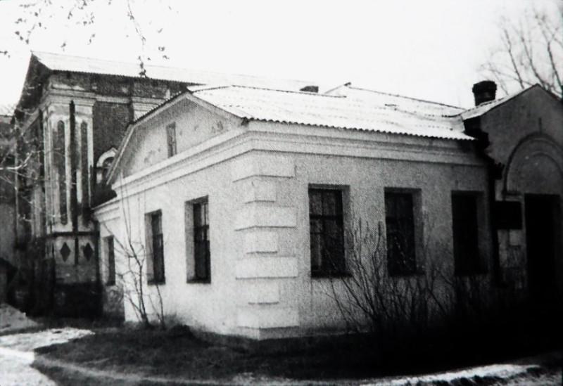 3.19д Здание краевого архива в бывшей Знаменской церкви