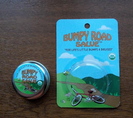 Отзыв Sierra Bees Bumpy Road Salve, мазь от ушибов. Обзор бальзама от синяков, как использовать