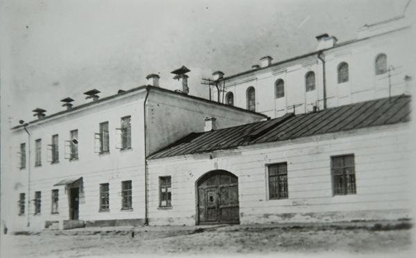 Vladimirskiy_central_old_photo