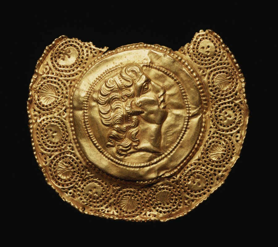 Roman_-_Pendant_with_Portrait_of_Alexander_the_Great_-_Walters_57526