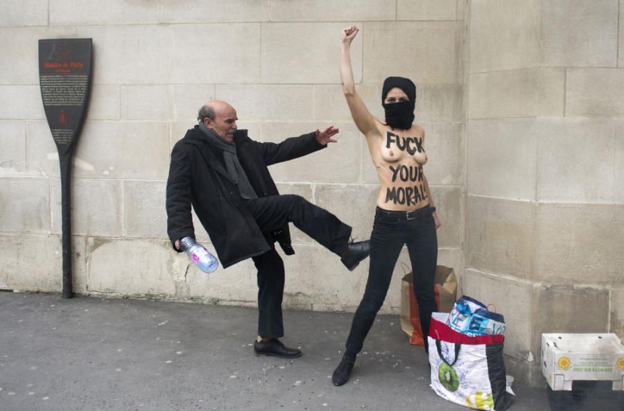 femen_mosquee_paris