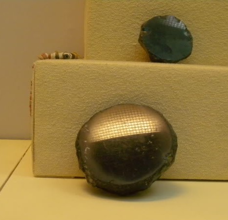 Figure-2-Neolithic-Obsidian-mirrors-Museum-of-Anatolian-Civilis-Ankara-P.Gorgori