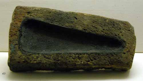 Pottery mould
