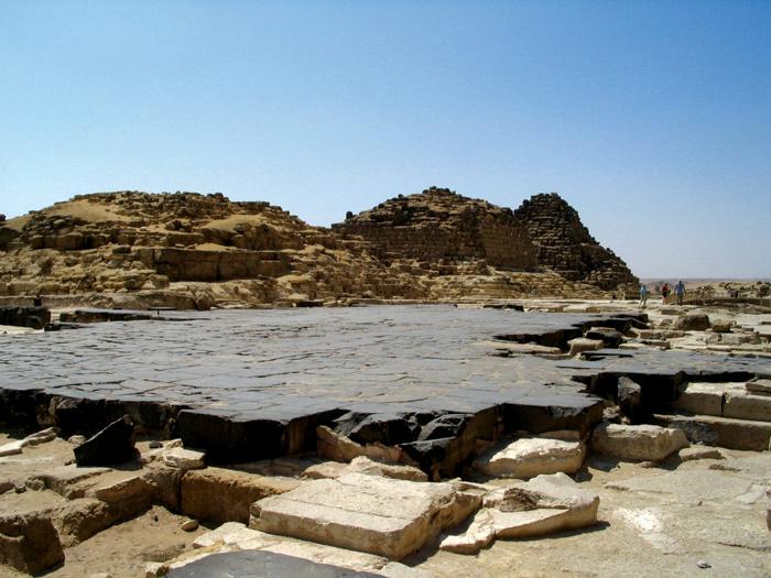 Мощеная дорога Хеопса. mortuary-temple