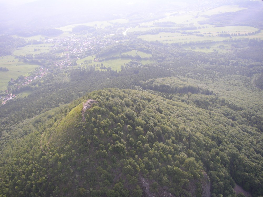 Gipfel_von_Klíč,_in_Hintergrund_Svor