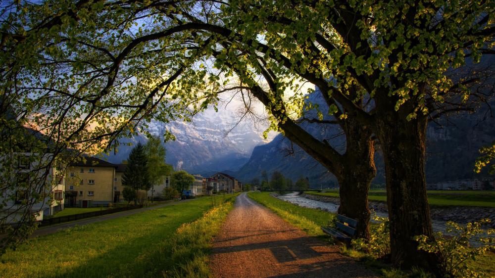 Quiet-Dirt-Road-in-the-Alps-of-Switzerland