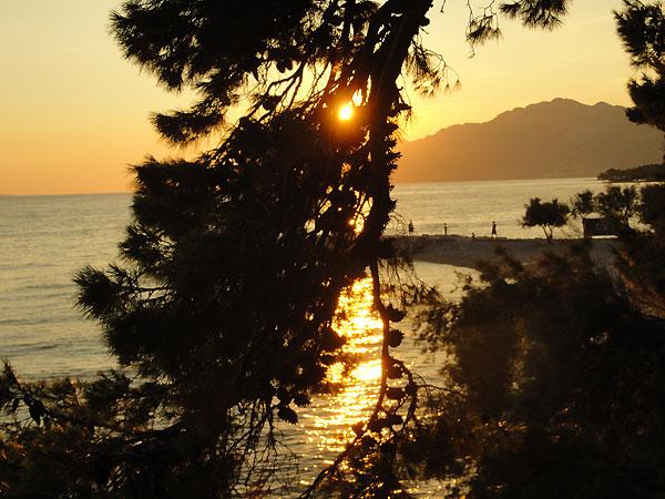 http://pics.livejournal.com/aldashin/pic/001esgaz