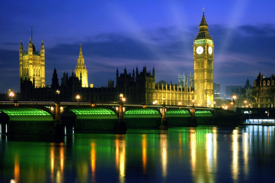 Palace-of-Westminster-at-Night-London-England