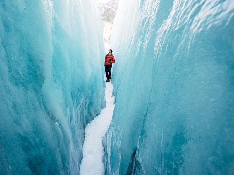 18891360-R3L8T8D-1000-hike-franz-josef-glacier_90832_990x742