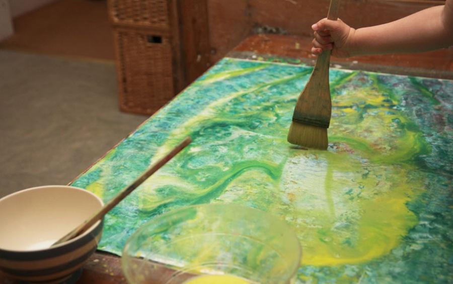 9252910-R3L8T8D-900-5-year-old-painter-autism-iris-grace-4
